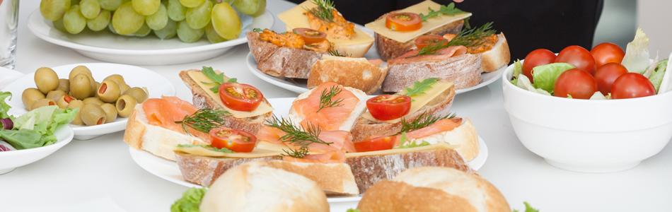 Sandwiches, sliced baguettes and bruschetta